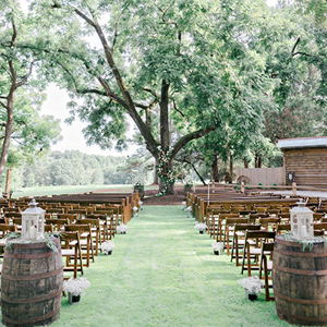 Outdoor Weddings and Parks: Walnut Hill Farms