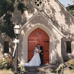 Garden Weddings: Log Cabin Community Church