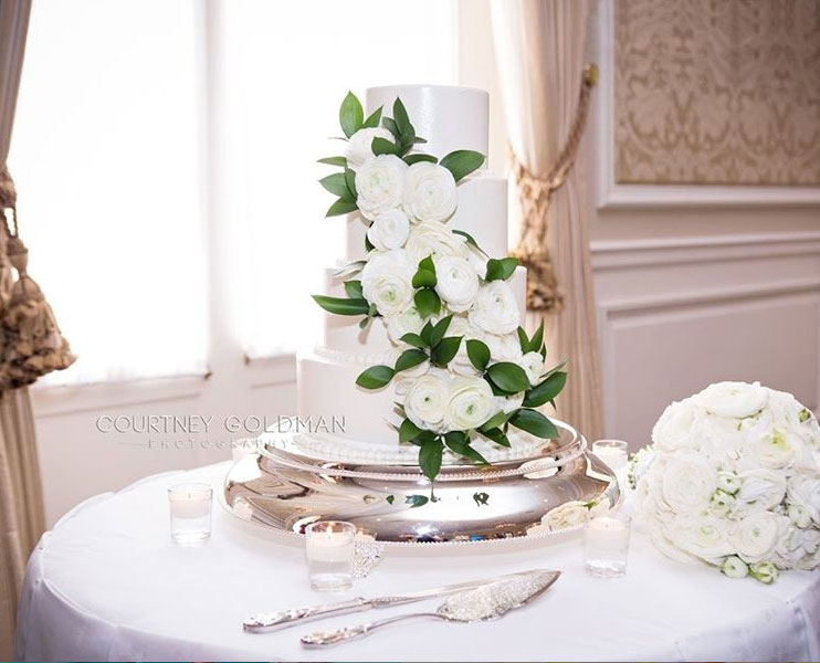 What a classic, classy cake!