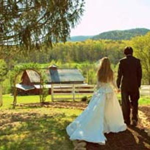 Farmhouses and Wedding Barns: Mountain Laurel Farm