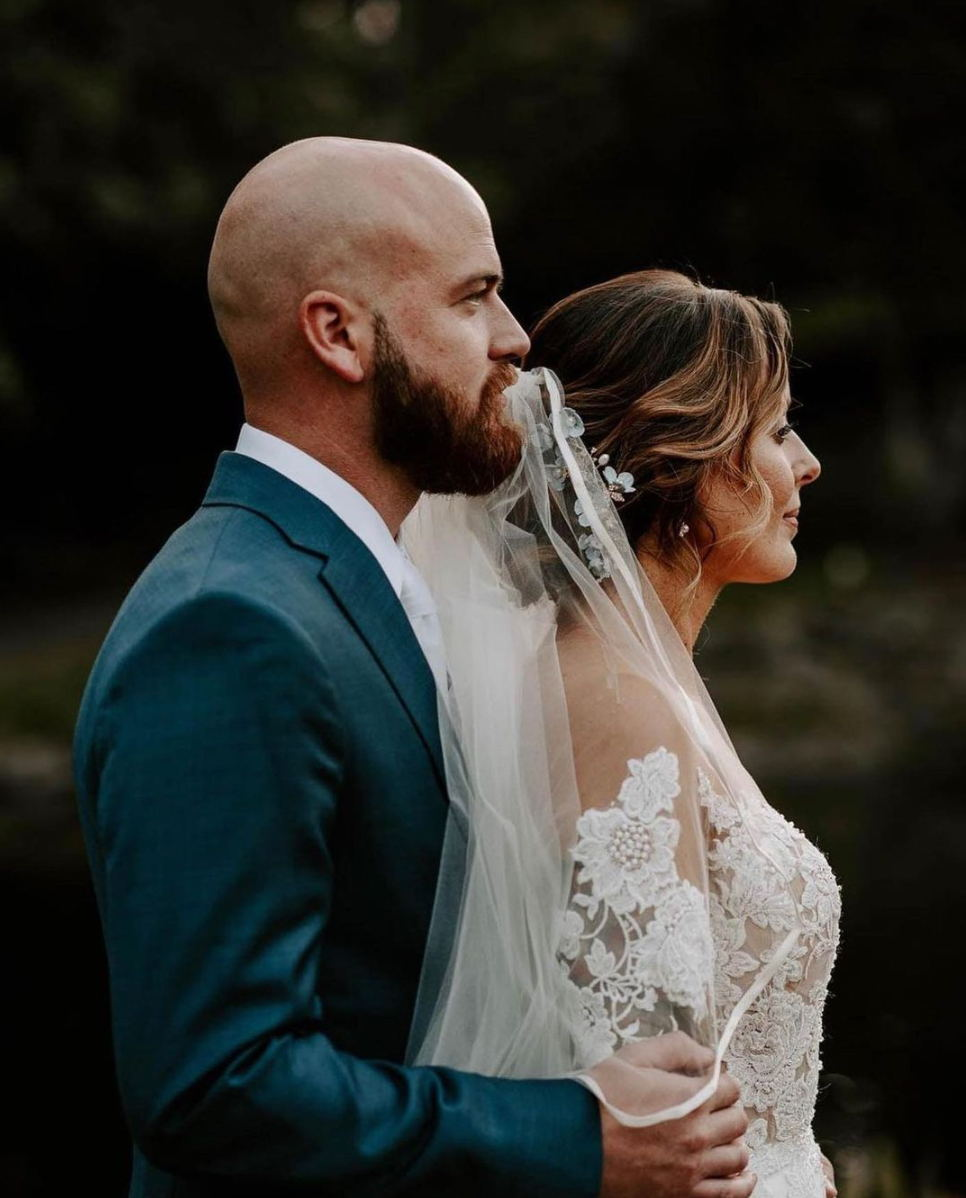 Image for post: Stunning Photo of Glendalough Manor Bride and Groom