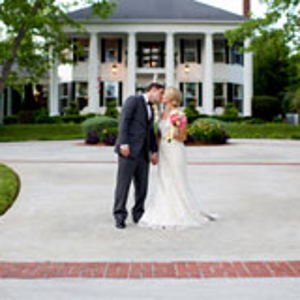 Garden Weddings: Victoria Belle Mansion and Vintage White Barn