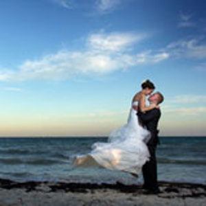 : All Honeymoons & Romantic Travel