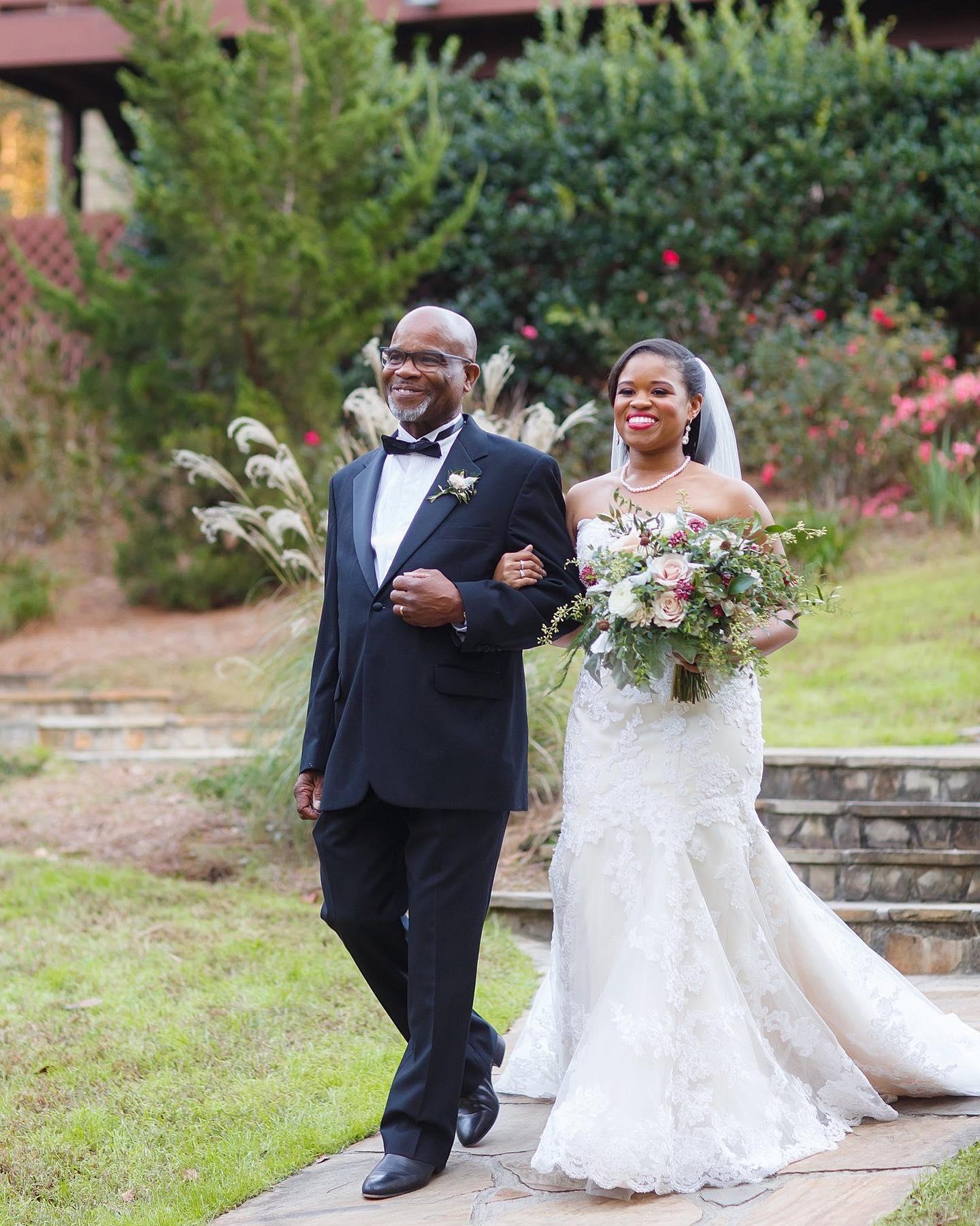 Here comes the bride! ❤️