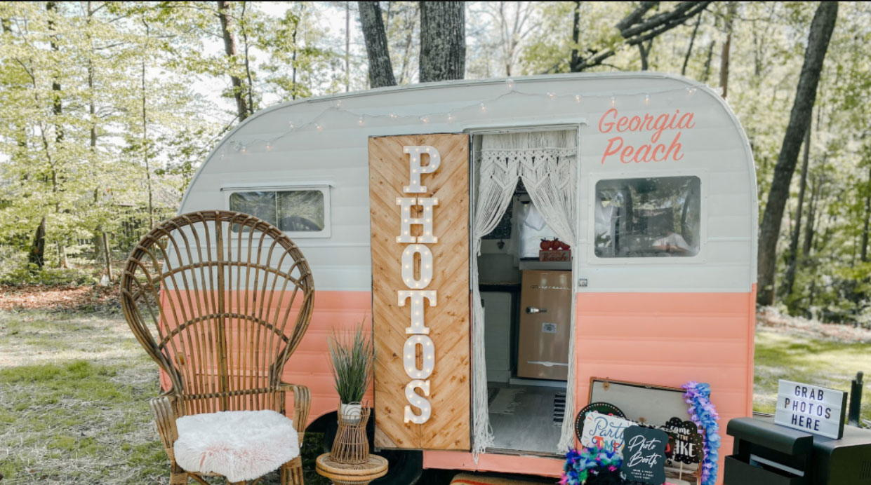 Image for post: Welcome to our newest member Southern Snaps Photobooth!